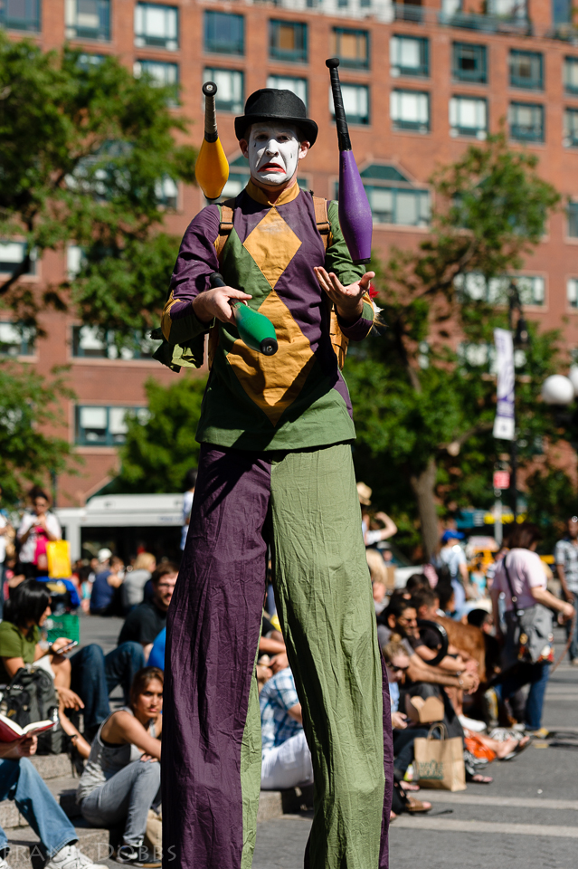 juggling on stilts051502