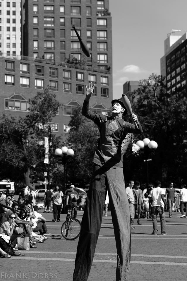 juggling on stilts051504