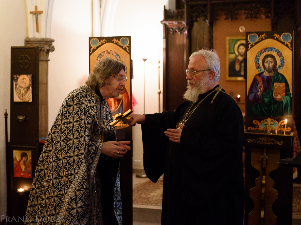 Bishop and priest-20150201 - 1381