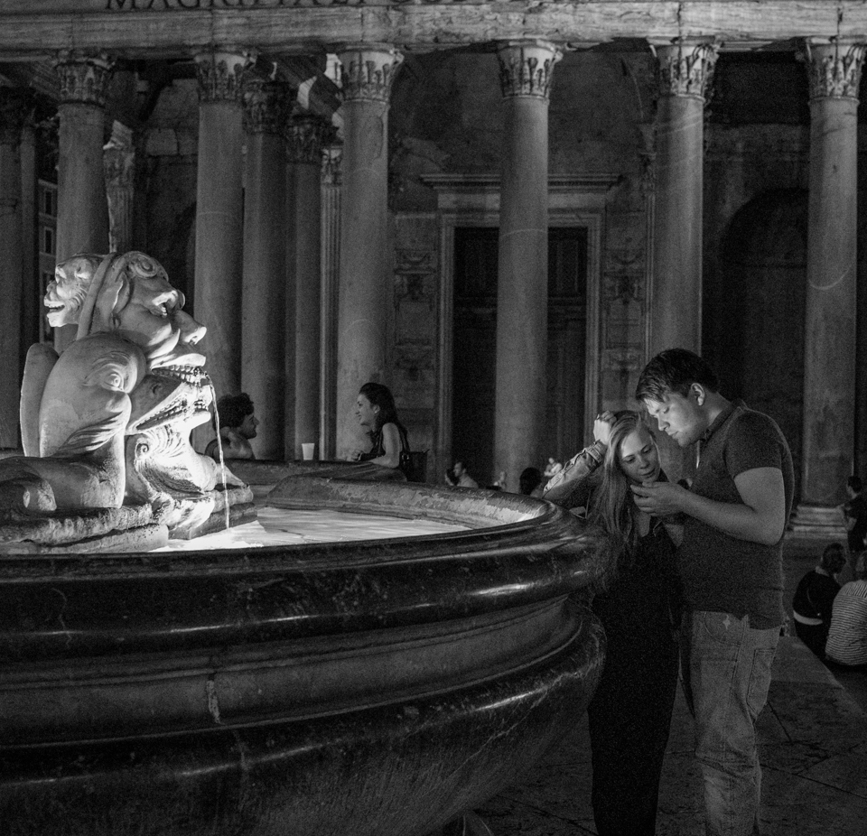Plaza of the Pantheon - Rome -20150518 - 5252