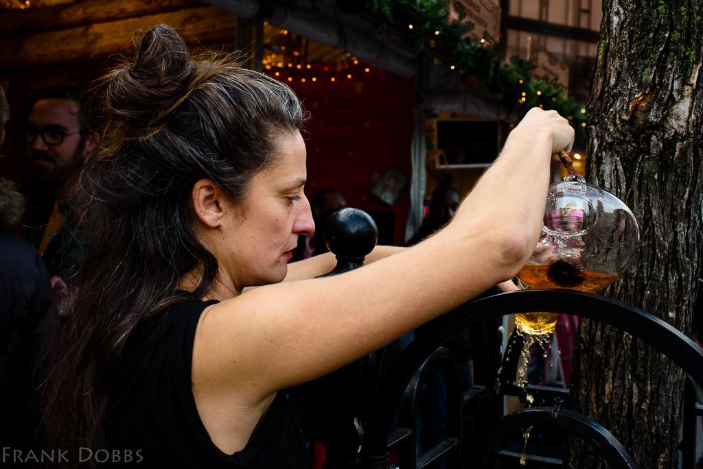 Priestess pouring libation -20151224 - 0679